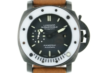 Panerai Luminor Submersible Amag...